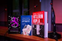 Kirjat-pöydällä_preview